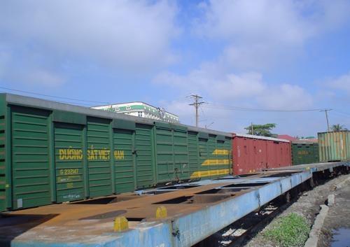 Chuyển hàng Bắc Nam: Chọn vận tải đường sắt hay vận tải đường bộ bằng xe tải ? 3